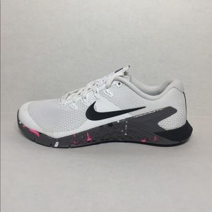 🛍 WMNS SHOES NIKE METCON 4 white/black-gansmo
